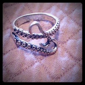 Octopus tentacle ring